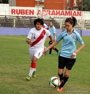 La floridense Romina Alanis en acción frente a Perú