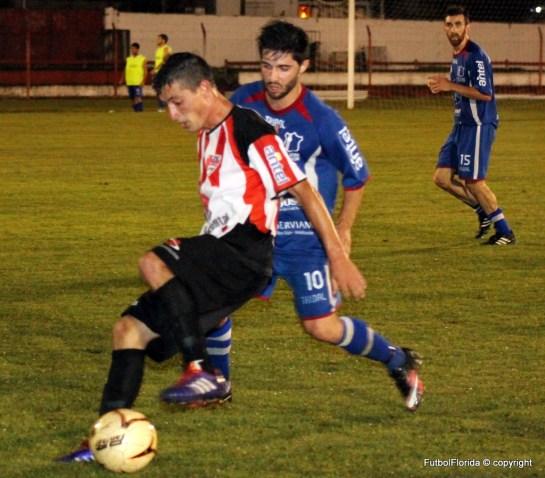 Damian Carballo marcó los dos primeros goles albirrojos. Foto Fanny Ruetalo