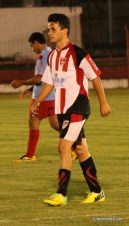 Ronaldo Barrios se retira luego de anotar cinco goles.