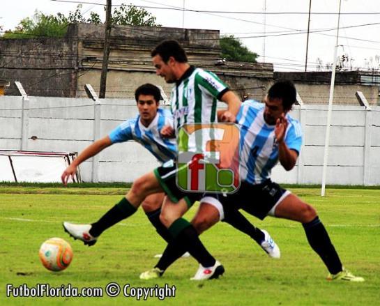 Atlético y Universal juegan hoy a cuenta de dos partidos mas. Foto Fanny Ruetalo