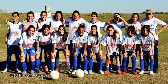 Las chicas de Nacional de Florida. Foto Fanny Ruetalo