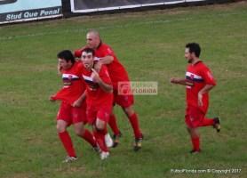 Todos con Edgar Peraza luego de su 2do gol. Gran triunfo de Mejoral