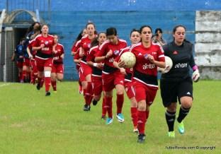 Nacional va por la punta del Femenino. Foto Fanny Ruétalo