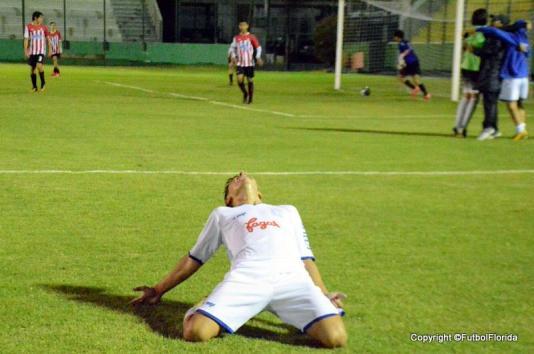 El éxtasis, el gol, el grito sagrado. Foto Ernesto Hornos