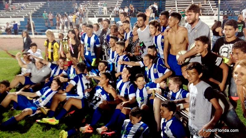 También en Juveniles Cerro Largo levantó la Copa