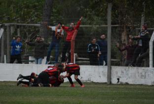 El festejo del gol de Vergara. Foto Ernesto Hornos