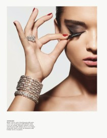 editorial-vogue_paris-outubro-2013-crystal_renn-3
