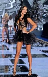 Adriana Lima {brasileira} | Foto: Reprodução/ Google Imagens
