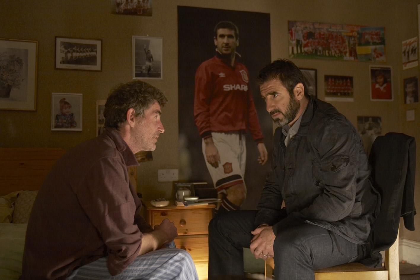 """""""Eric"""", o carteiro, com Eric, o Cantona. www.californiafilmes.com.br"""
