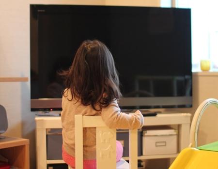 テレビ&スマホを家で楽しむ方法 子供が使用時の注意点・影響も
