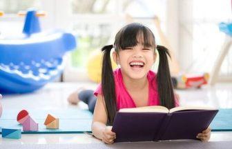 未就学児と楽しく自宅学習するコツは? ひらがな・読書・英語も