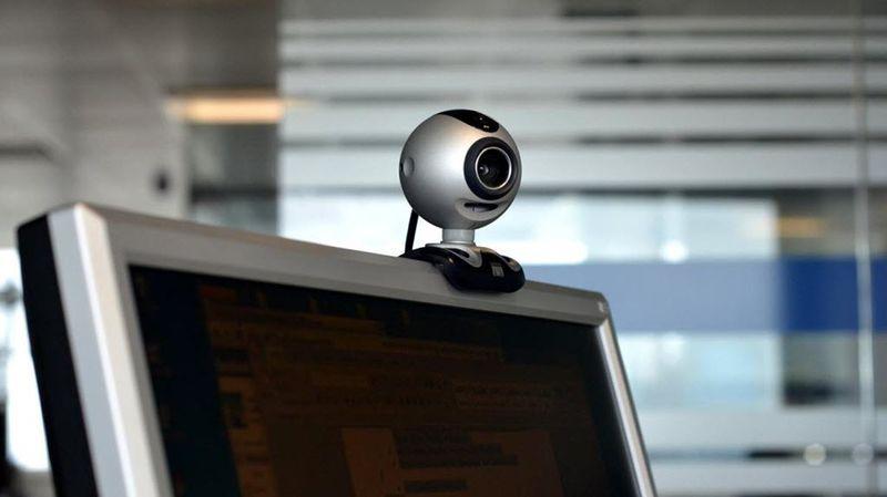 Jak připojit webovou kameru k počítači