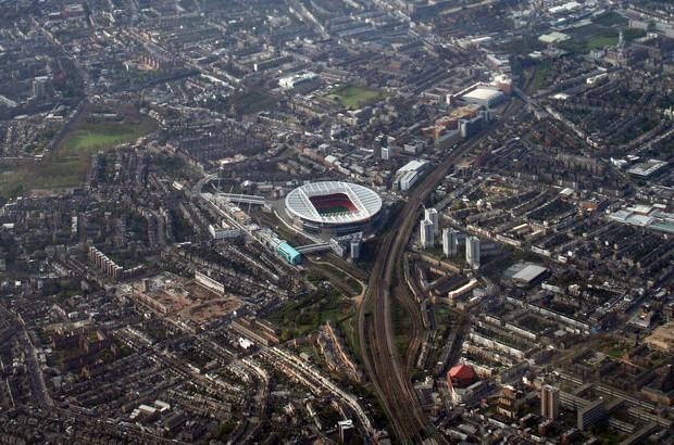 An aerial view of the Emirates Stadium and surrounding area (credit: Peter McDermott/CC BY-SA 2.0)