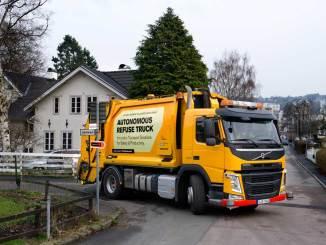 caminhão autônomo para coleta de lixo