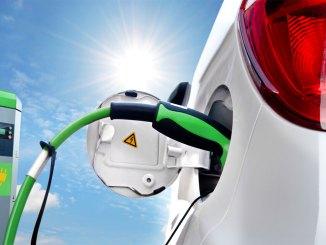 carros elétricos e híbridos no Brasil
