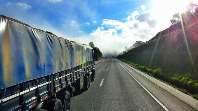 Frota brasileira de caminhões