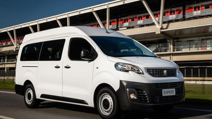 Peugeot Expert minibus
