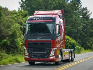 caminhão Volvo FH