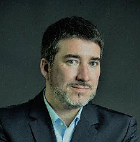 Jens Oliver Burger, diretor de exportações da Mercedes-Benz