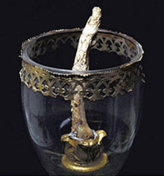 """Galileo'nun """"hala"""" gökyüzüne uzanan parmağı"""