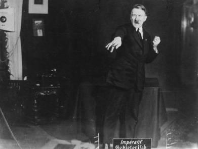 [Heinrich Hoffman] Hitler'in nutuk çalışmaları çekimleri 1