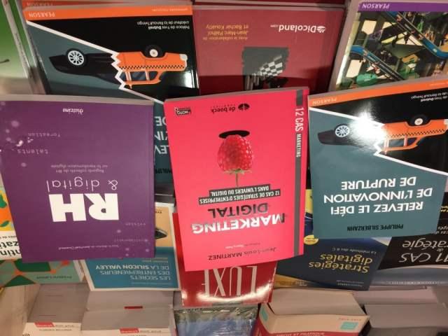 Ma Digital Week - Livres à la FNAC des Ternes -Photo Jean-Baptiste Audrerie - Toute reproduction interdite sans autorisation - FutursTalents - 2016