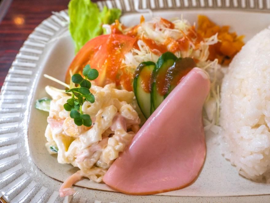 モカ 豚のしょうが焼き定食のサラダ