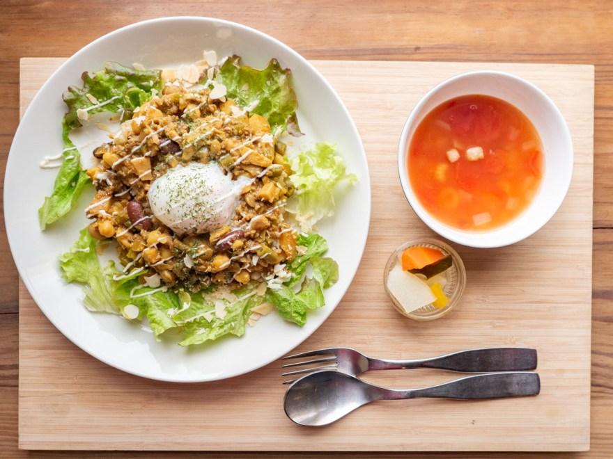 shop&cafe三宅商店:季節野菜のドライカレーセット