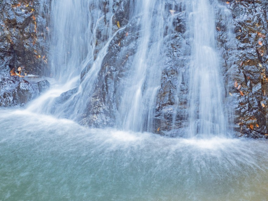 血洗の滝・血洗滝神社:血洗の滝の滝壺