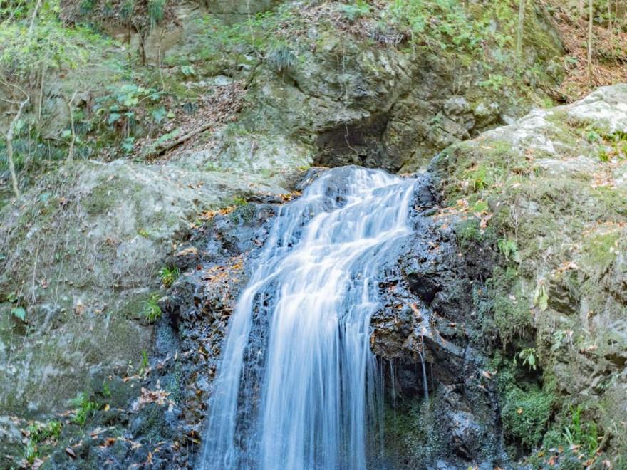 血洗の滝・血洗滝神社:血洗の滝の上部