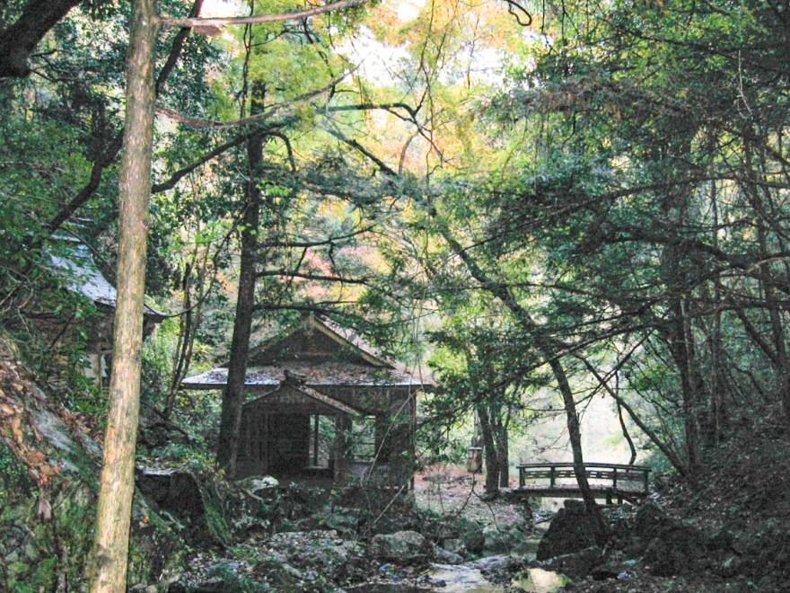 血洗の滝・血洗滝神社:2004年時のようす
