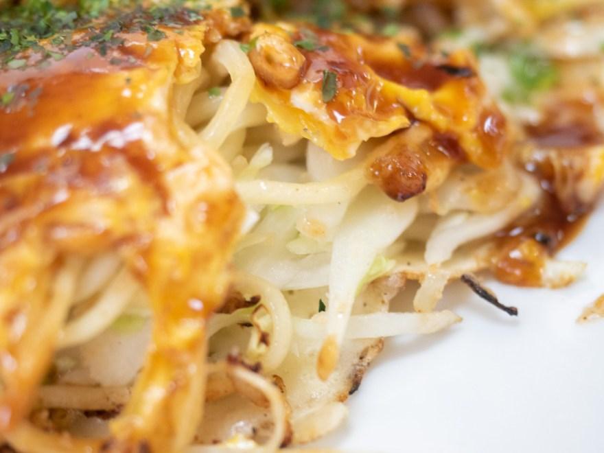 古川食堂:お好み(そば・いか・ぶた・玉子)の野菜