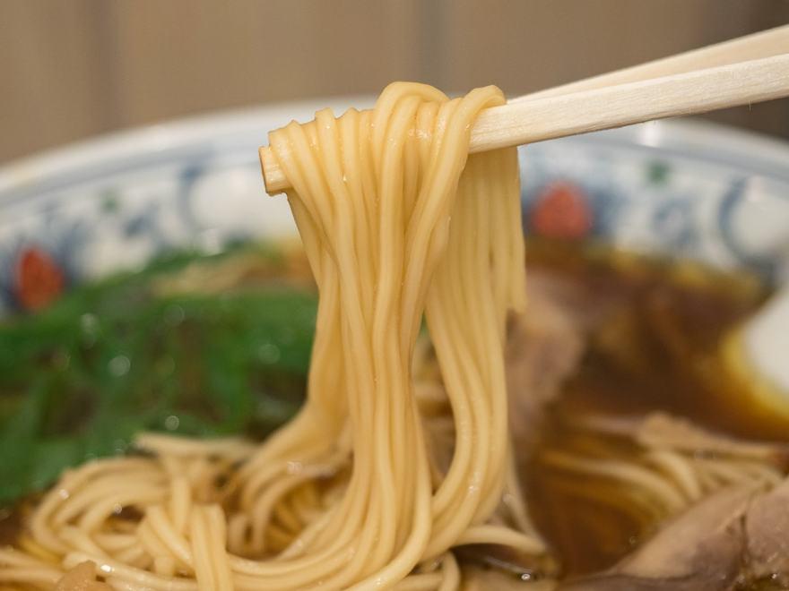 ふじ井:中華そば(笠岡ラーメン)の麺