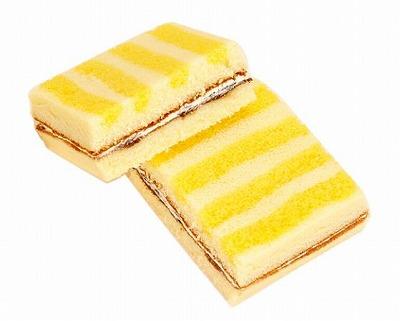 ファミマ_レモンフェア_レモンのサンドケーキ