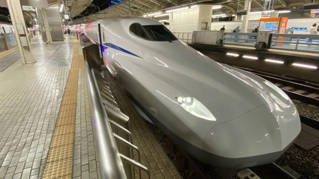新幹線と比べると…