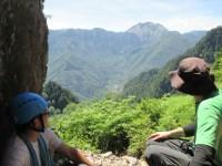 3ルンゼ取付で休憩しながら焼岳。しかし、、、登らなかった初日。