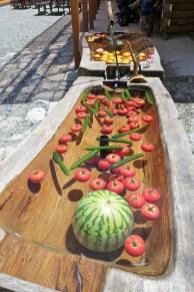 わさび平小屋のスイカとトマト