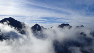 ⑪四峰稜線から穂高連峰と槍を臨む