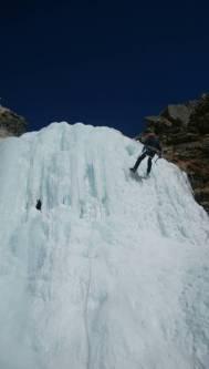 ナイアガラの滝をトップロープで楽しむOGWさん