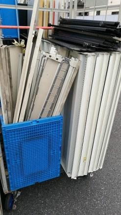 廃棄の陳列棚、店舗什器