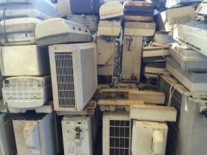 茨城県水戸市でエアコンの取外しと回収、処分