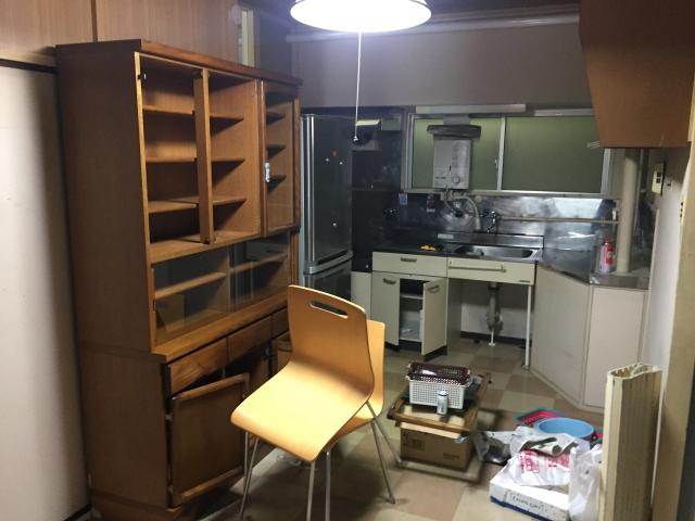 水戸市で食器棚の処分や分解方法