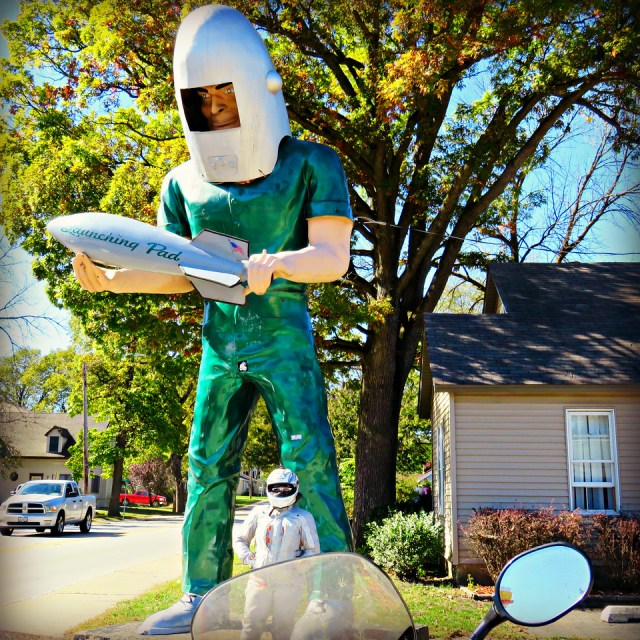 daydreams come true - visiting the gemini giant muffler man