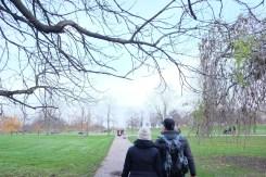 Walking to Kensington Palace.