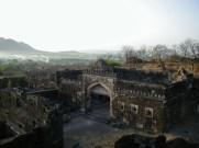 インド ダウラターバードの砦