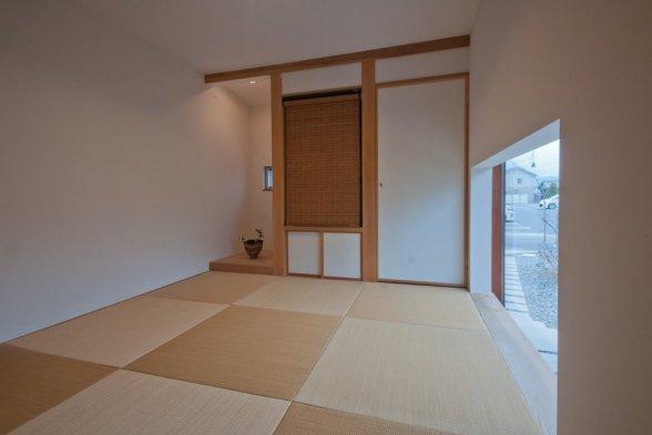 アンドの家 和室は4.5帖。床の間と仏間と押入