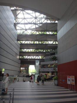 アクロス福岡 エミリオ・アンバース+日本設計