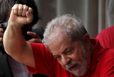 Base de Temer disputa 'espólio' de Lula