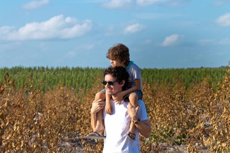 Pai de Tito, Marcelo diz que criar o menino sozinho é uma conquista