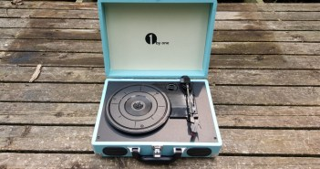 1byone Portable Turntable feature photo